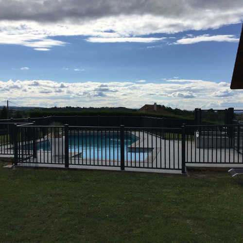 barriere aluminium pour piscine, barriere protection piscine