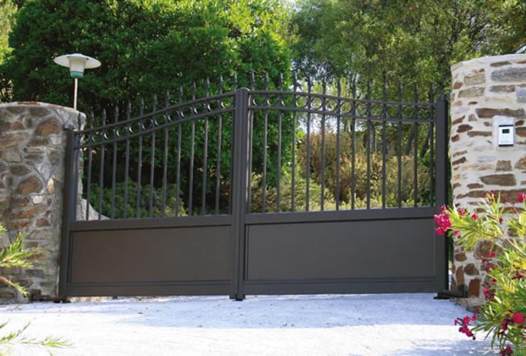 photos portail aluminium portail design moderne. Black Bedroom Furniture Sets. Home Design Ideas
