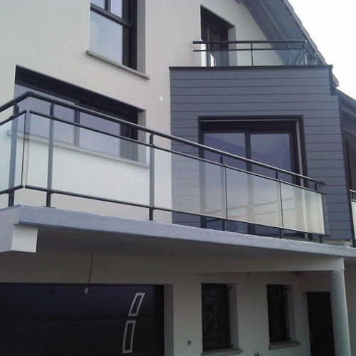 photos garde corps aluminium villa garde corps moderne. Black Bedroom Furniture Sets. Home Design Ideas