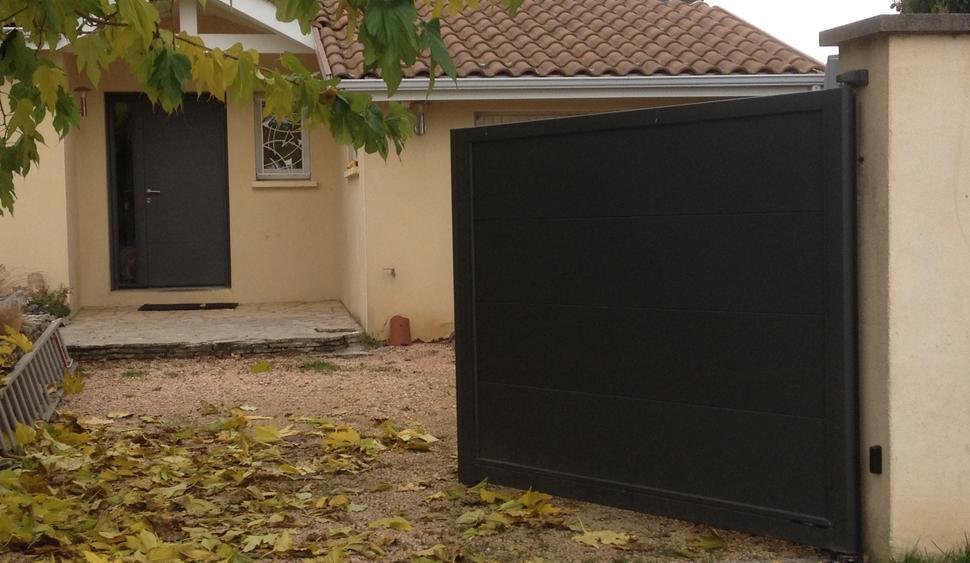 ouverture de portail automatique free portail automatique. Black Bedroom Furniture Sets. Home Design Ideas